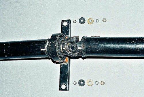 Замена крестовины карданного вала на ВАЗ 2101 своими руками