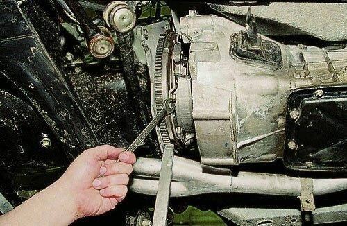 Замена сцепления ВАЗ 2106 своими руками