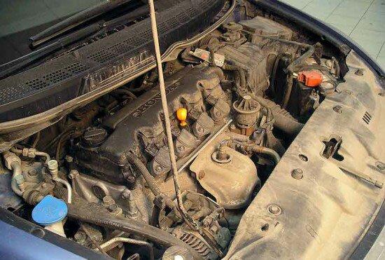 Можно ли мыть двигатель? Как и чем помыть двигатель?