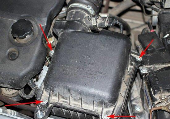 Замена воздушного фильтра в Лада Приора своими руками