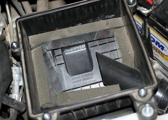 Как заменить воздушный фильтр Лада Приора