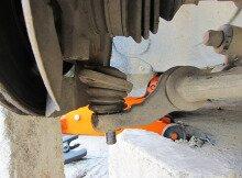 Замена шаровой опоры на Лада Приора своими руками