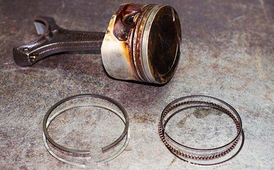 Поршень и поршенвые кольца
