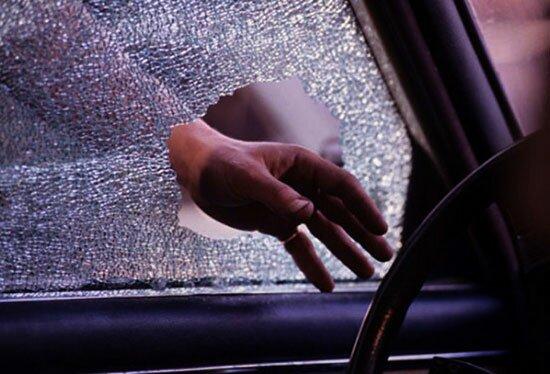 Самый радикальный способ — разбить стекло