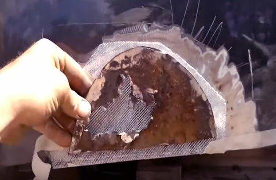 Вот такой кусок вырезал, алюминиевая заплатка уже на своем месте